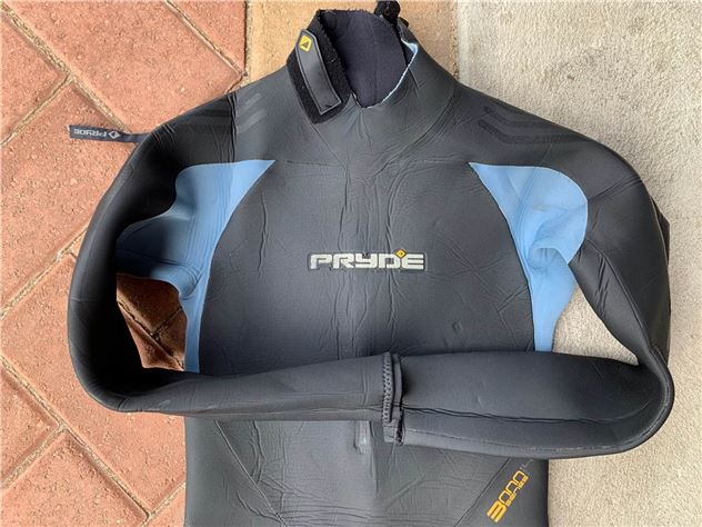 2019 Cabrinha Kite Bar, Helmet, Wetsuit And Harness