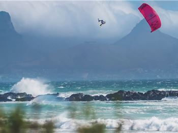 Aaron Hadlow wins King of the Air AGAIN! - Kitesurfing News