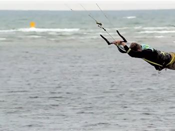Learn how to Raley with Ewan Jaspan - Kitesurfing News