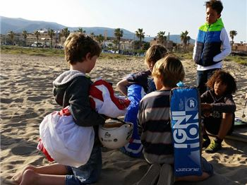 Got kids? Start 'em young. Start 'em now! - Kitesurfing News