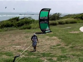 How to Launch a Kite by Yourself - Using a car/tree/pole. - Kitesurfing News