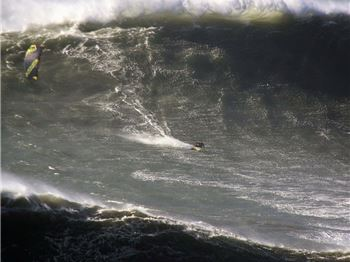 20m high waves - Kitesurfed by Jesse Richman! - Kitesurfing News