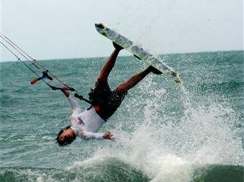 Kitesurfing beginner questions - Kitesurfing Articles